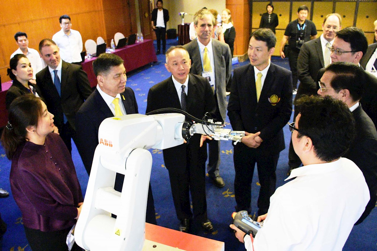 The IRB 120 industrial robot was  demonstrated to all participants on the handover ceremony at the Twin Tower Hotel Bangkok.
