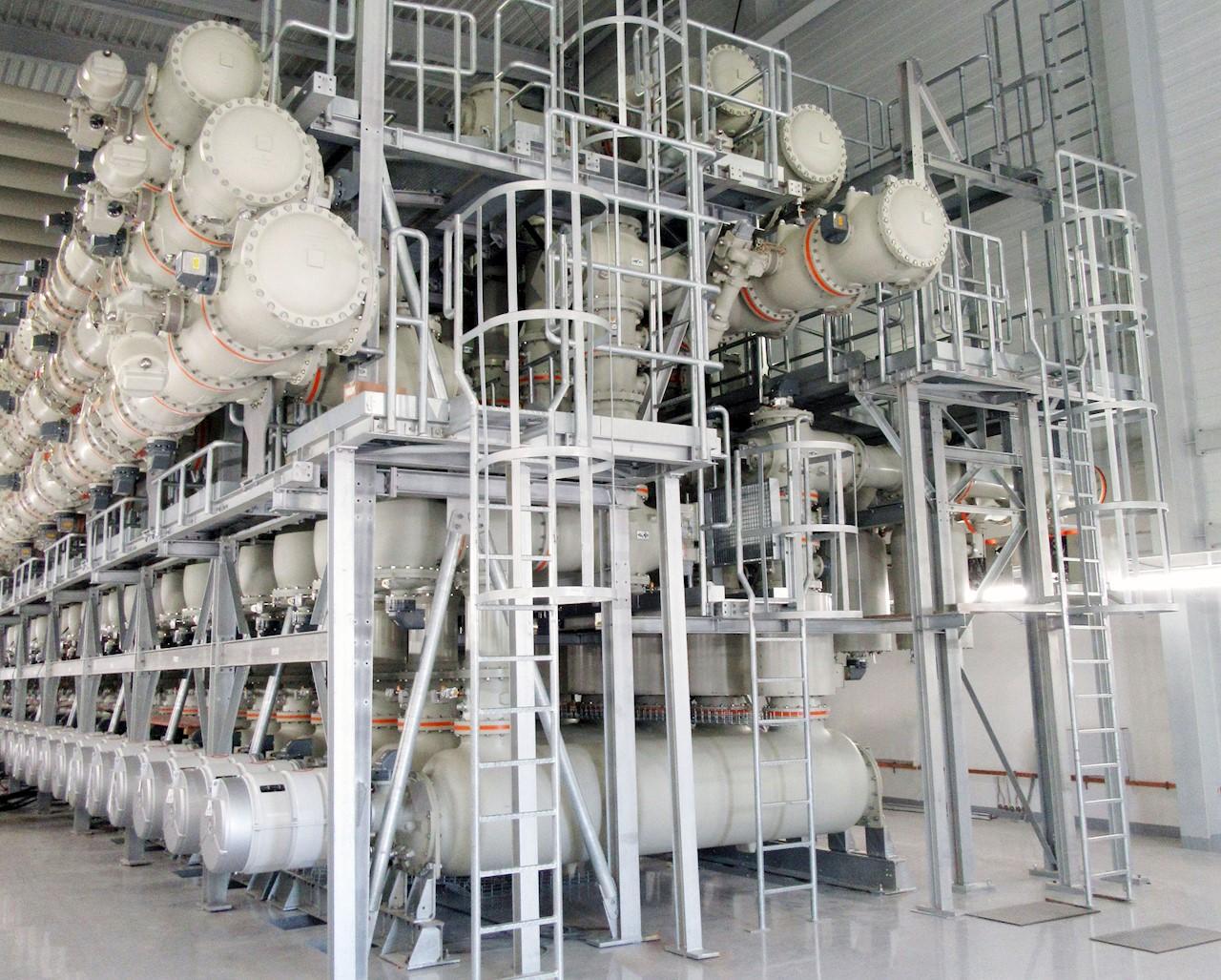 Primera aparamenta aislada en gas (GIS) de 380 kilovoltios (kV) instalada en la subestación de TransnetBW's Weier en Alemania