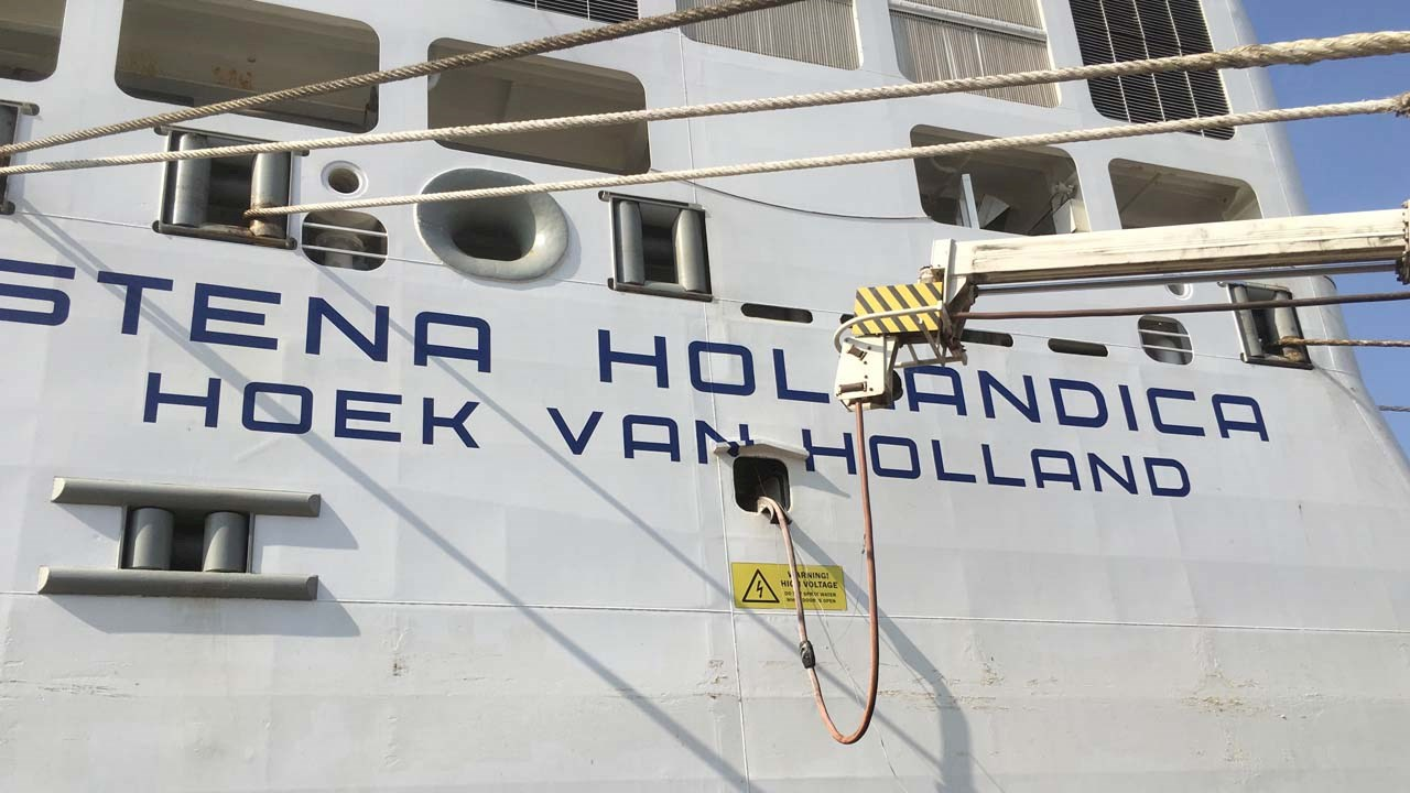 ABB provides innovative shore power solution for ships in the Netherlands