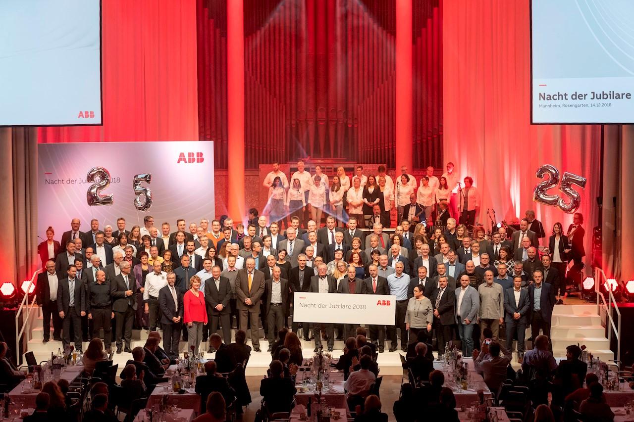 Mit 180 Kolleginnen und Kollegen stellten die Mitarbeiter mit 25-jährigem Dienstjubiläum die größte Gruppe der Jubilare.