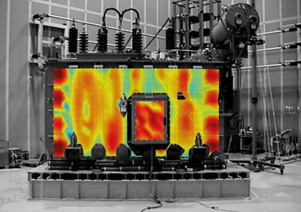 Форма рабочего отклонения трансформаторного бака 40 МВА при 100 Гц.