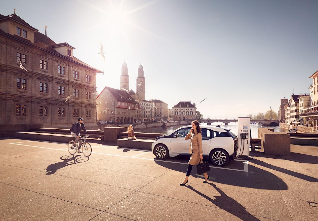 ABB är världsledande leverantör av snabbladdare för elfordon, med mer än 8000 snabbladdare installerade i 68 länder.