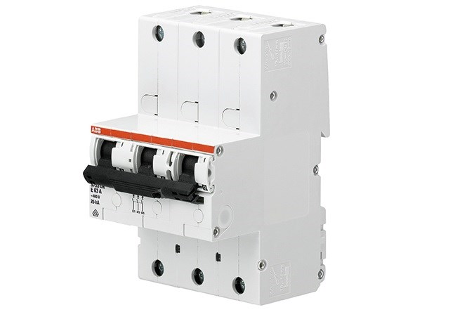 01 A variety of circuit breakers are used to protect electrical equipment when short-circuit current conditions arise. ABB's comprehensive range of breakers covers virtually all voltage and current values. Shown is an ABB S753DR-E63 main circuit breaker.