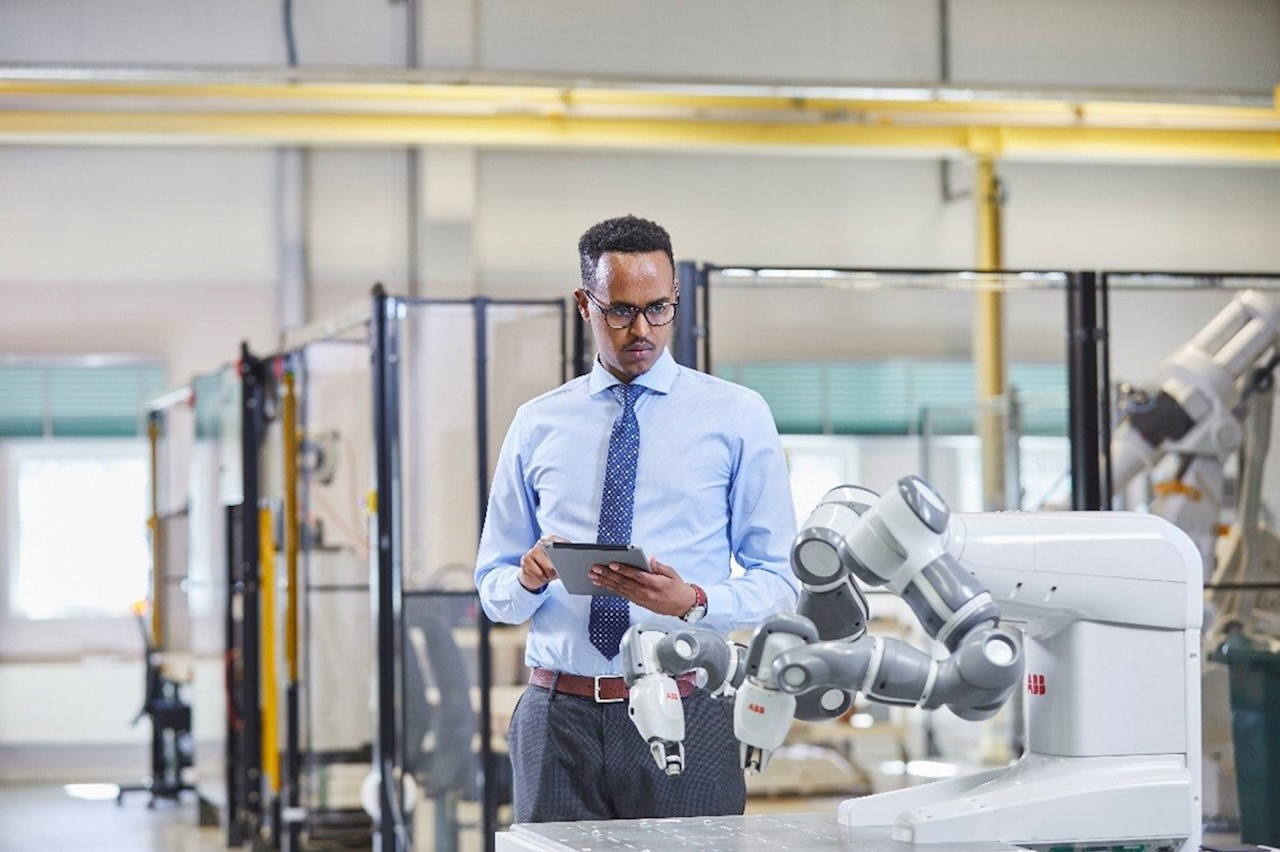 ABB Ability™ Connected Services and YuMi® collaborative robot.