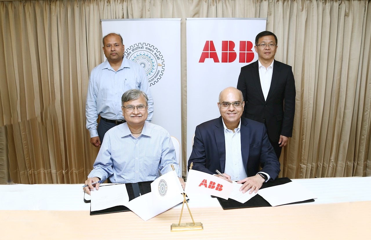 Prof. Ajit Chaturvedi, Director, IIT Roorkee and Sanjeev Sharma , MD, ABB India signing the MoU