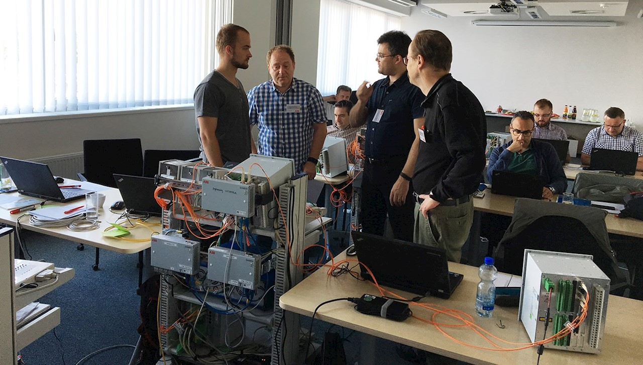 Discussions about specifications of the equipment during the course in Trutnov
