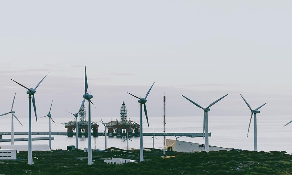 ABB lanserer en veileder for å lette oljeselskapers overgang til energioperatører.