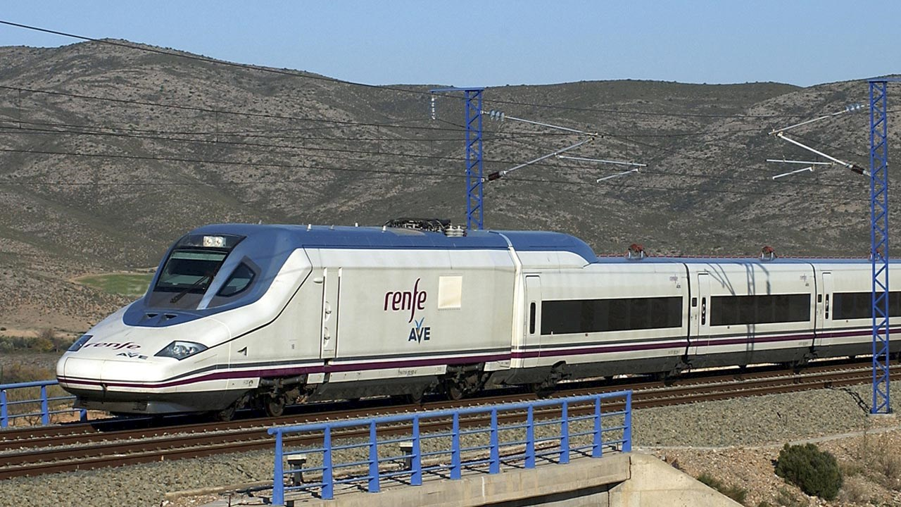 On-site maintenance breathes new life into high-speed trains in Spain