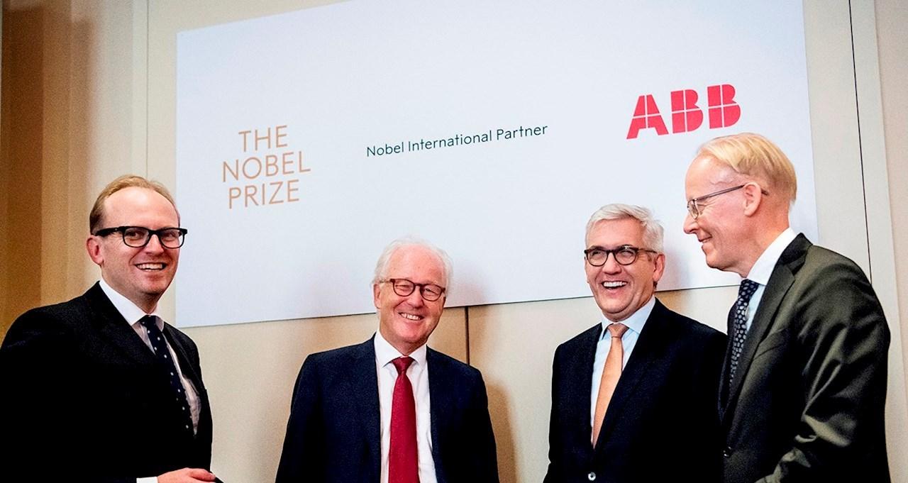 Mattias Fyrenius (CEO de Nobel Media), Lars Heikensten (Director Ejecutivo de Fundación Nobel), Ulrich Spiesshofer (CEO de ABB) y Johan Söderström, Country Managing Director de ABB en Suecia.