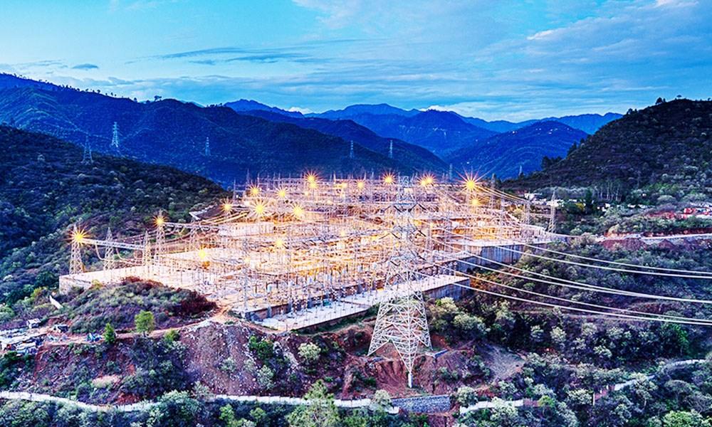 ABB og SNC-Lavalin etablerer Linxon for å levere nøkkelferdige AC transformatorstasjoner over 170 kV.