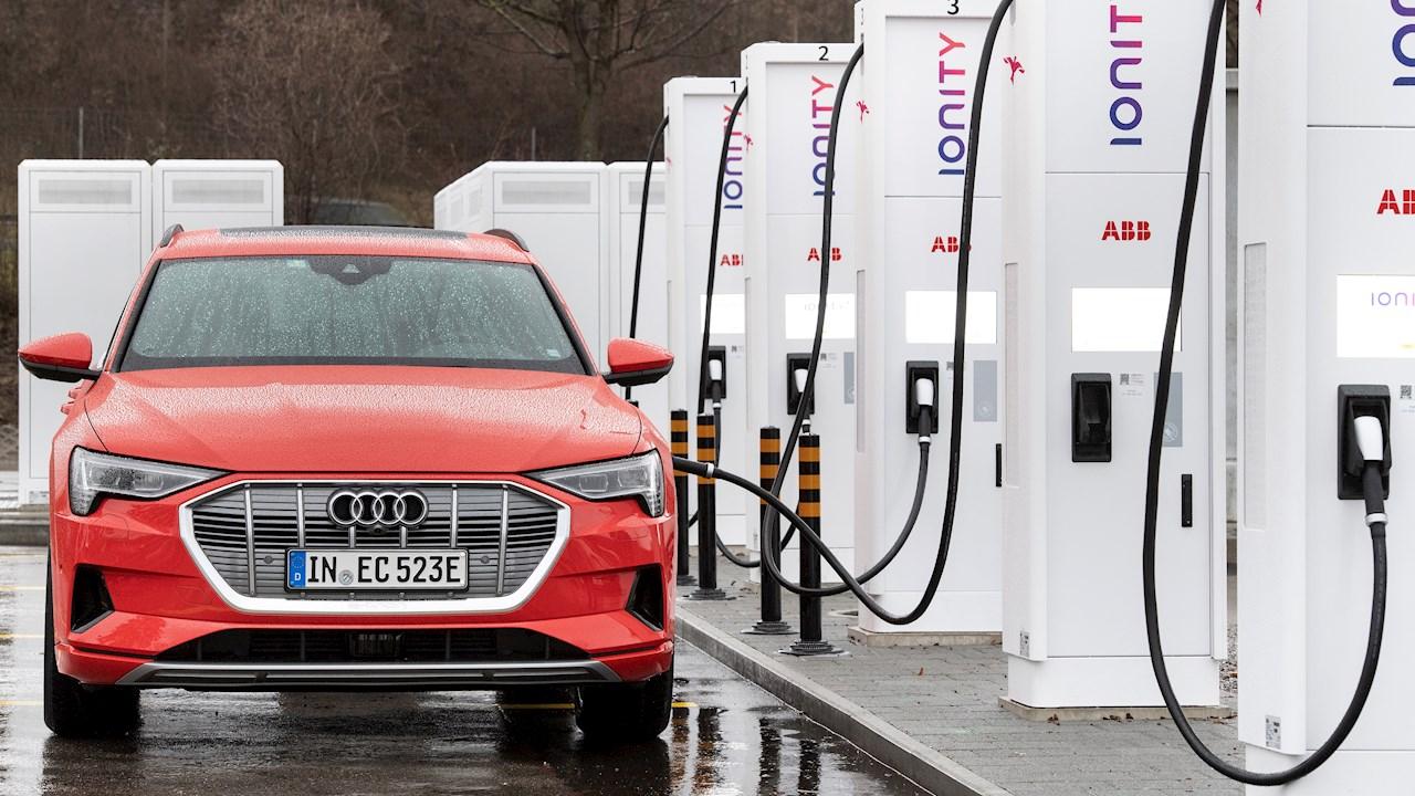 Электрическая мобильность на Всемирном экономическом форуме: ABB, Audi и IONITY предоставили экологически безопасный транспорт для делегатов