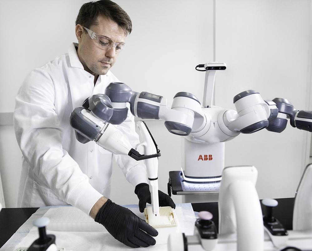 tratarea centrelor cu roboți