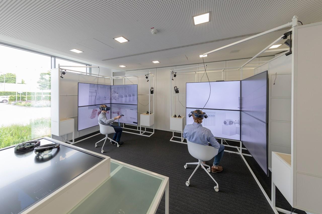 In den sogenannten Labs wird auf vielfältige Weise nach Lösungen gesucht – auch mithilfe von Virtual Reality-Technologien.