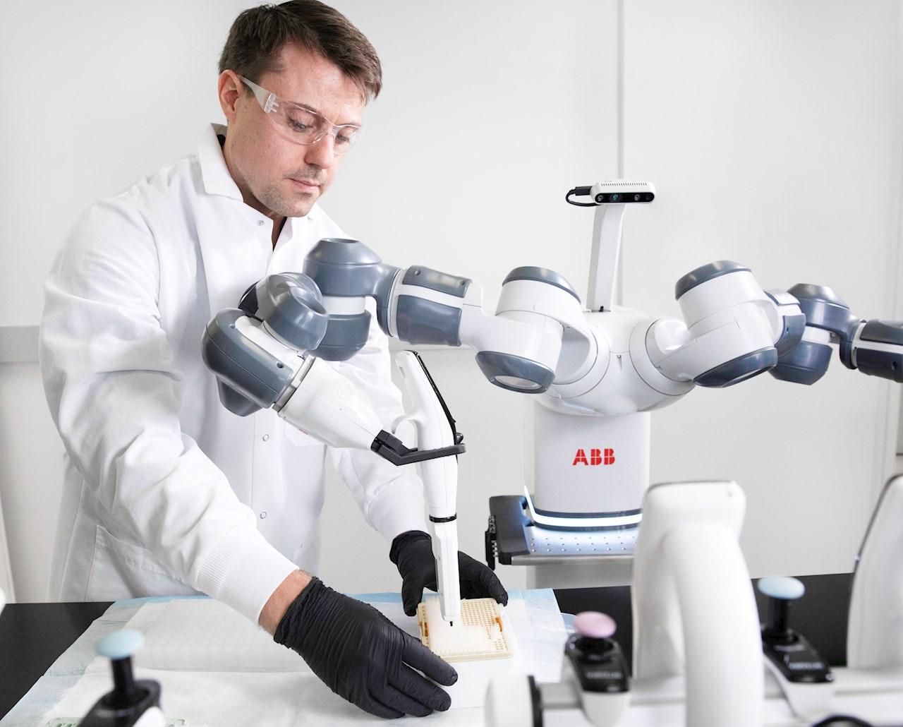 ABB utvikler roboter for å gjennomføre repeterende, skjøre og hverdagslige oppgaver sammen med mennesker.