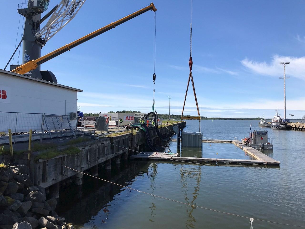 ABB:n merenalaisen jakelu- ja muuntajajärjestelmän testaus toteutettiin Vaasassa.