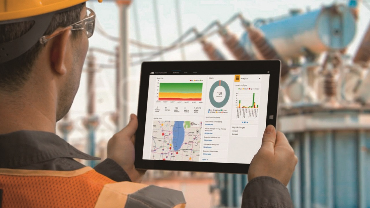 """02 ABB Ability Ellipse connects predictive analytics and asset management systems to the mobile worker in the field. It is available either as an """"on-premises"""" or """"software-as-a-service"""" solution for electric utilities and other asset-intensive sectors such as renewables, transport and mining."""