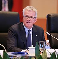 ABB集团执行副总裁和电力产品业务总裁尤柯尔出席年会