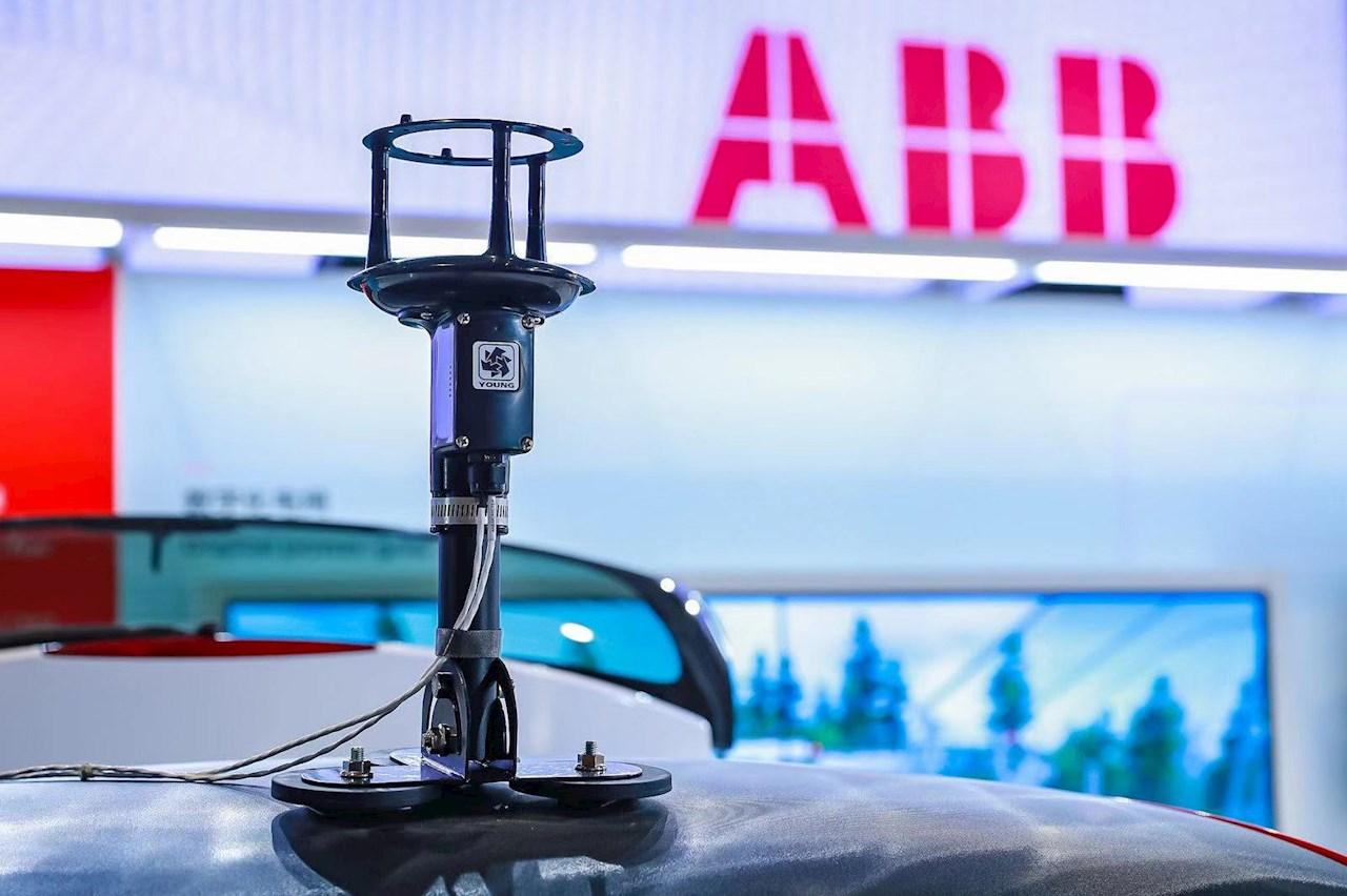装载ABB Ability™高精准燃气泄漏检测系统的检测车成为进博会装备展区的热点