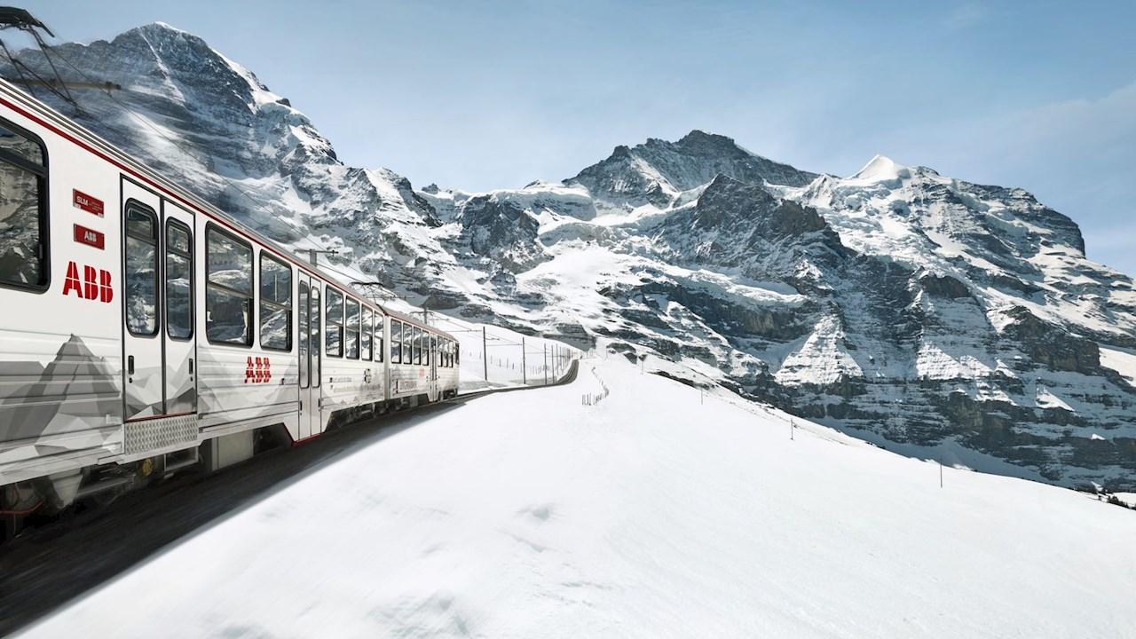 ABB erschließt am World Mountain Day neue Wege durch die Alpen