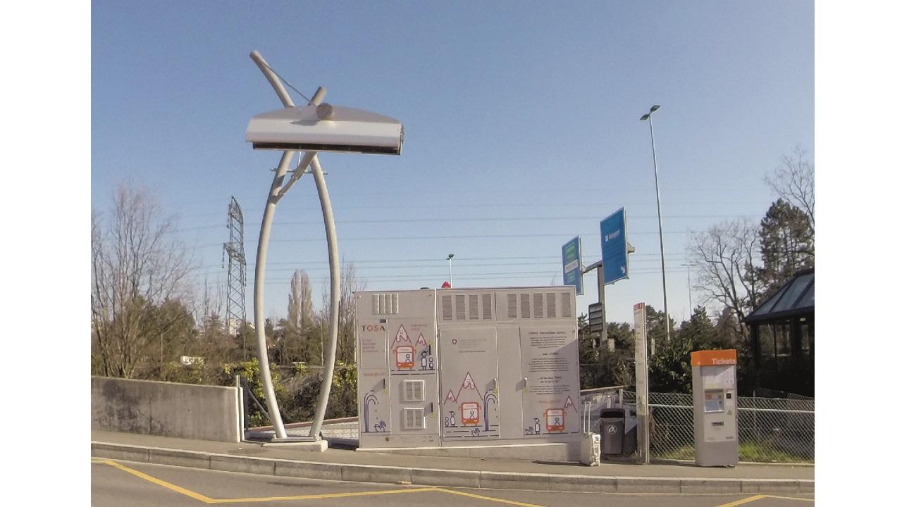 05. Cargador ultrarrápido TOSA con una unidad de almacenamiento de energía en  Ginebra. La línea de Nantes no necesitaba energía almacenada en las paradas de autobús.