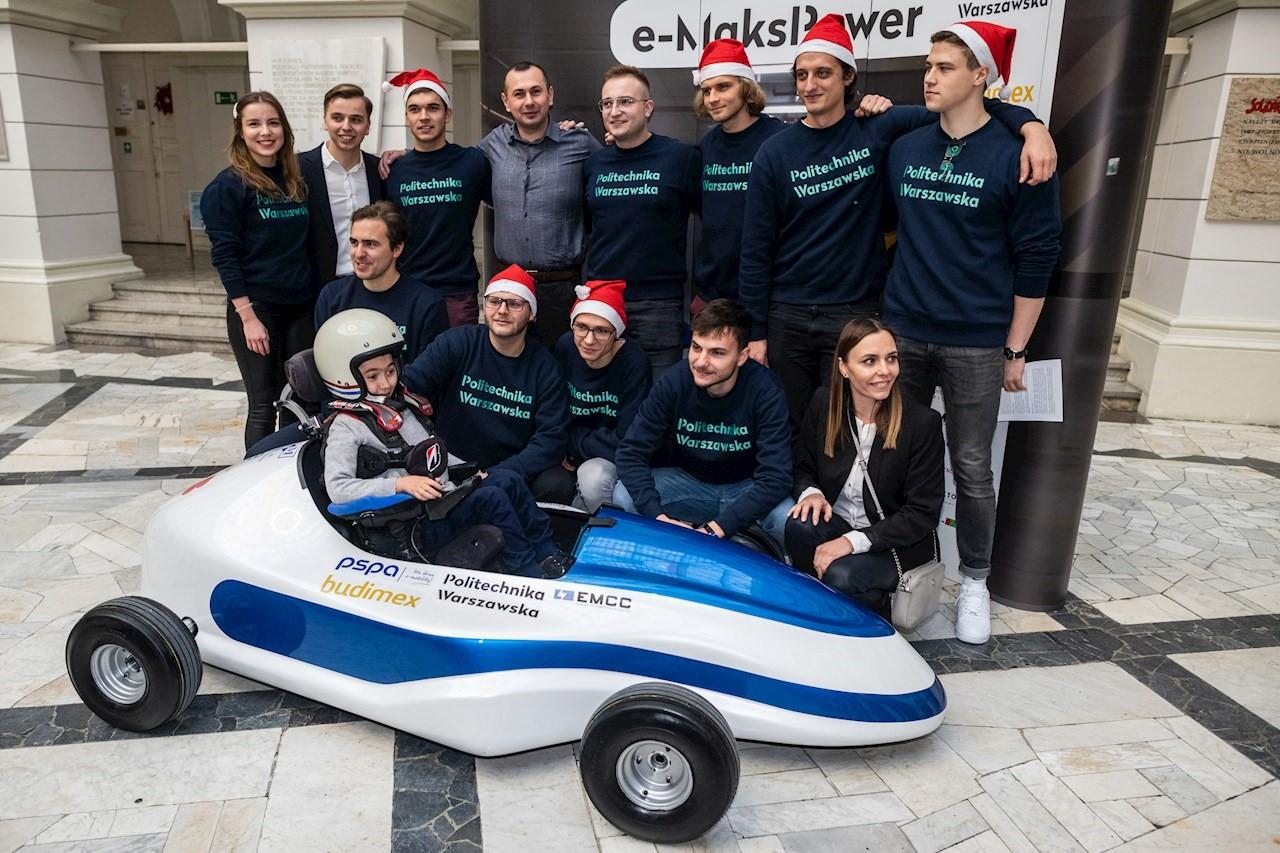 Maksymilian Młodawski az ABB segítségével követheti az elektromos versenyautózásról szőtt álmait.