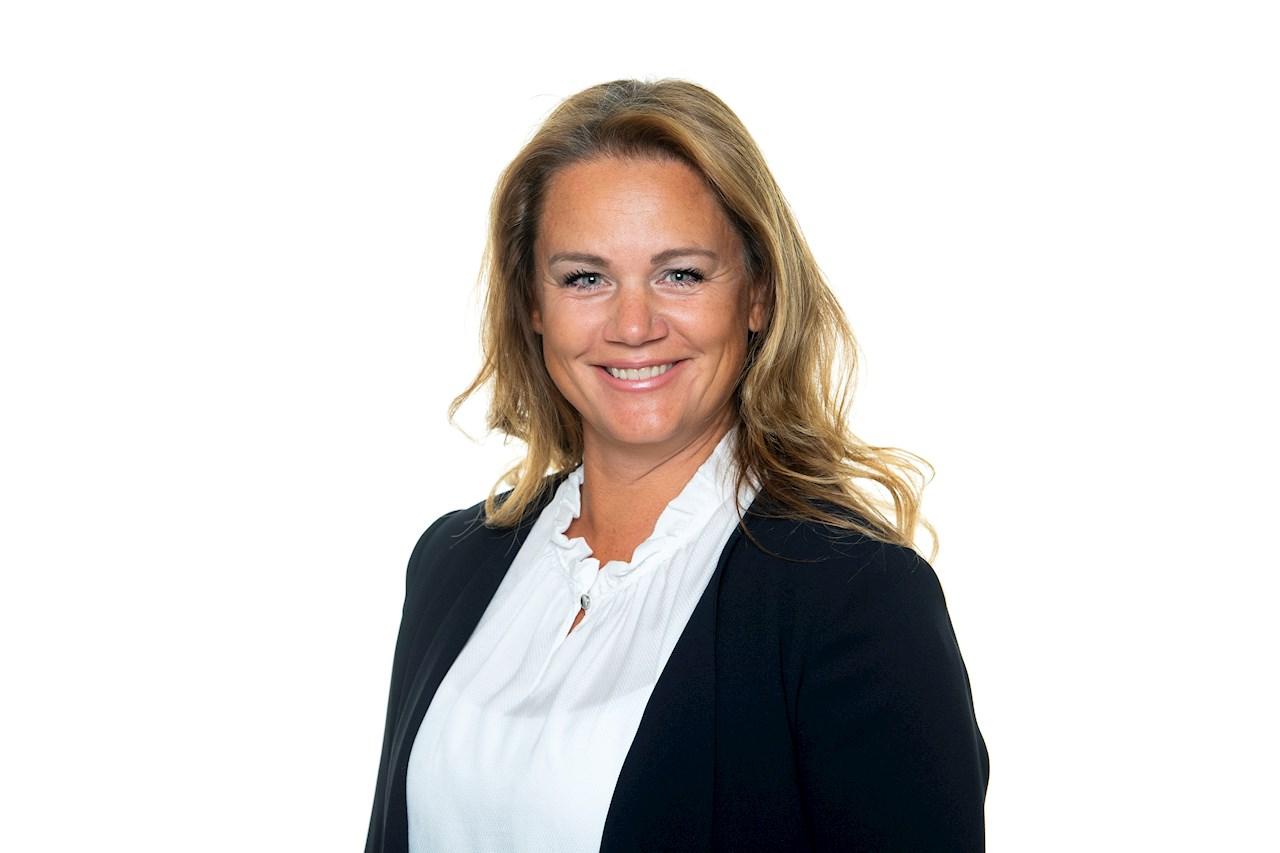 Jenny Larsson har, från 1 januari 2020, utsetts till ny vd, i tillägg till rollen som sälj- och marknadschef, för ABB Power Grids Sweden AB.