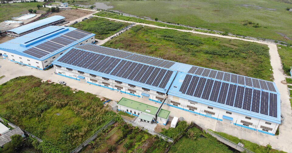 ABB supplied the latest technology- cloud connected three-phase string inverters for the largest solar rooftop project in Vietnam