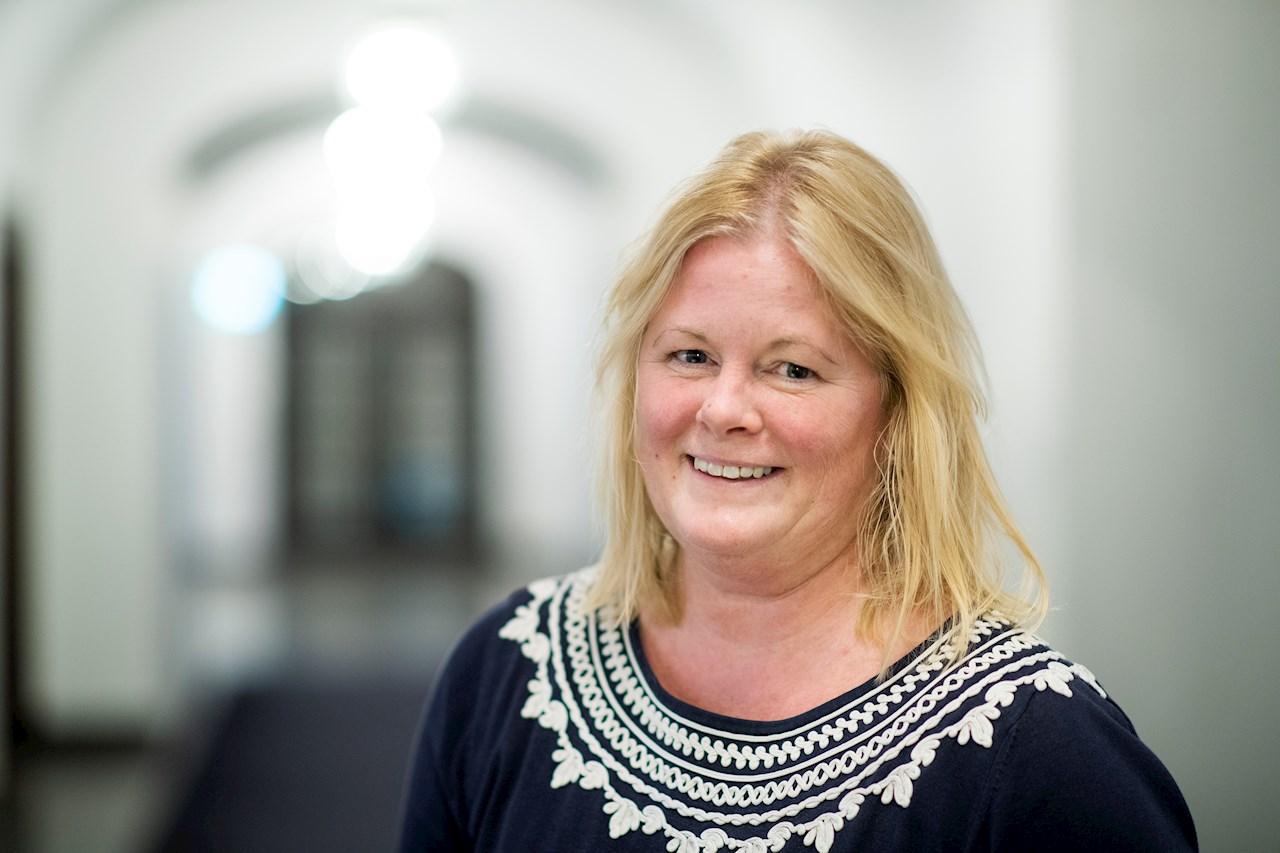 Madeleine Martinsen arbetar som civilingenjör på ABB och är industridoktorand på Mälardalens högskola. Foto: Jonas Bilberg.