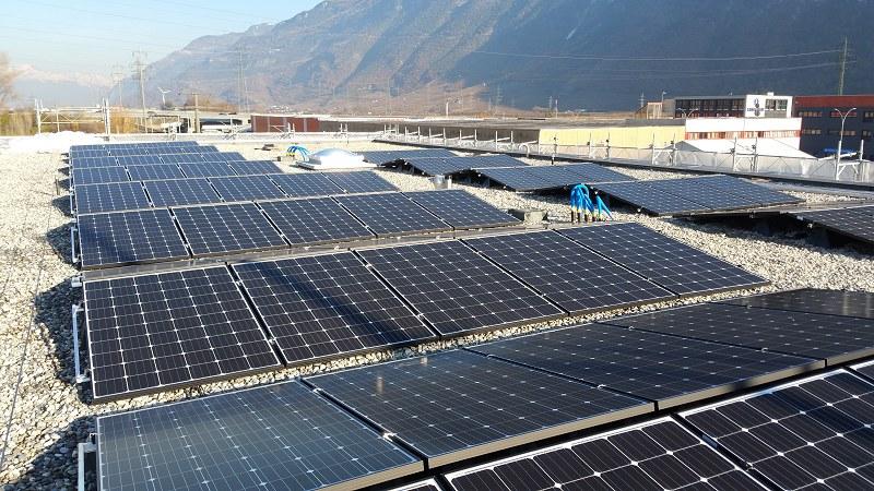 Die Solarmodule auf dem Dach des Unterwerks.