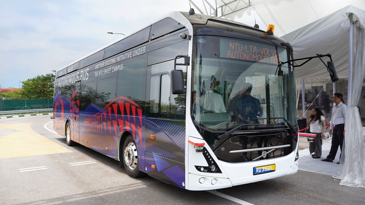ABB puts the charge into world's first 12-metre fully electric autonomous bus