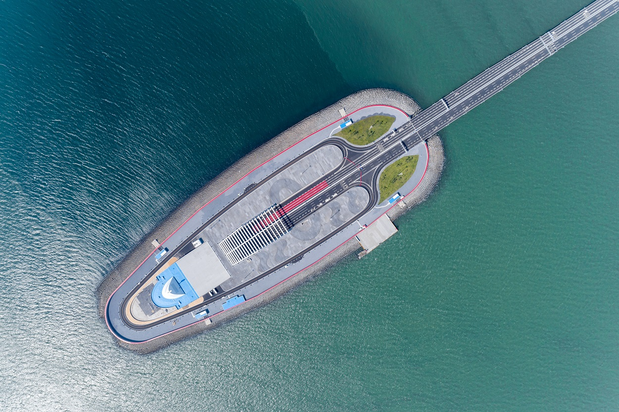 ABB technologies power a record-breaking bridge-tunnel-link in China