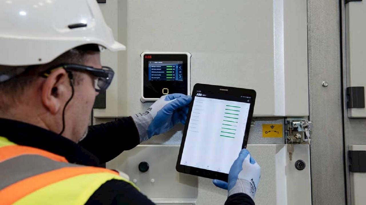 ABB unveils an asset health solution optimizing switchgear efficiency