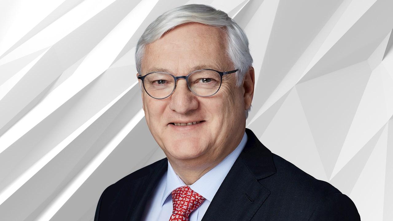 ABB nombra a Peter Voser como CEO provisional tras la salida de Ulrich Spiesshofer