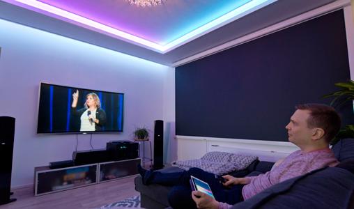 Antti Rinteen kodissa on toistakymmentä erilaista valaistustilannetta - yksi on erityisesti TV:n katseluun.