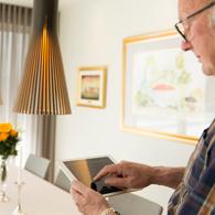 HAB-kerrostalon-asukas-tekee-kotiautomaatiolla-ohjauksia