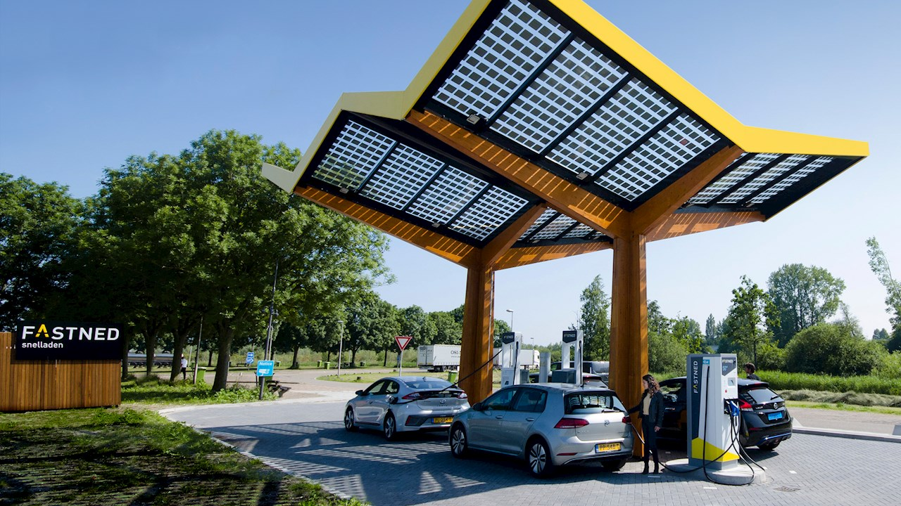 ABB and Fastned celebrate launch of 100th charging location