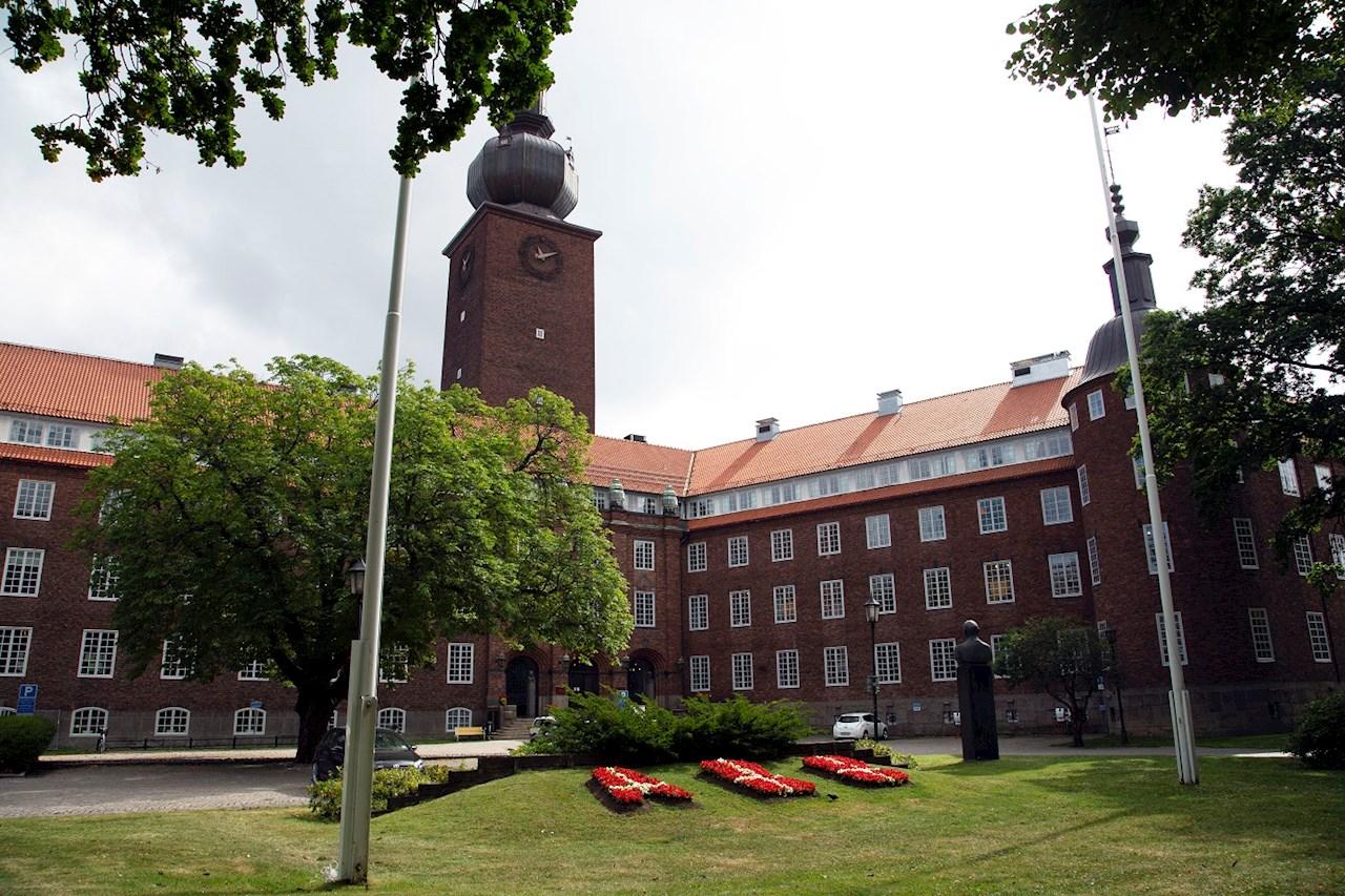 Efter två somrar på Machines får Ellen nu pröva på något helt annat hos Svensk Försäljning på ABB:s klassiska Ottarkontor i Västerås.