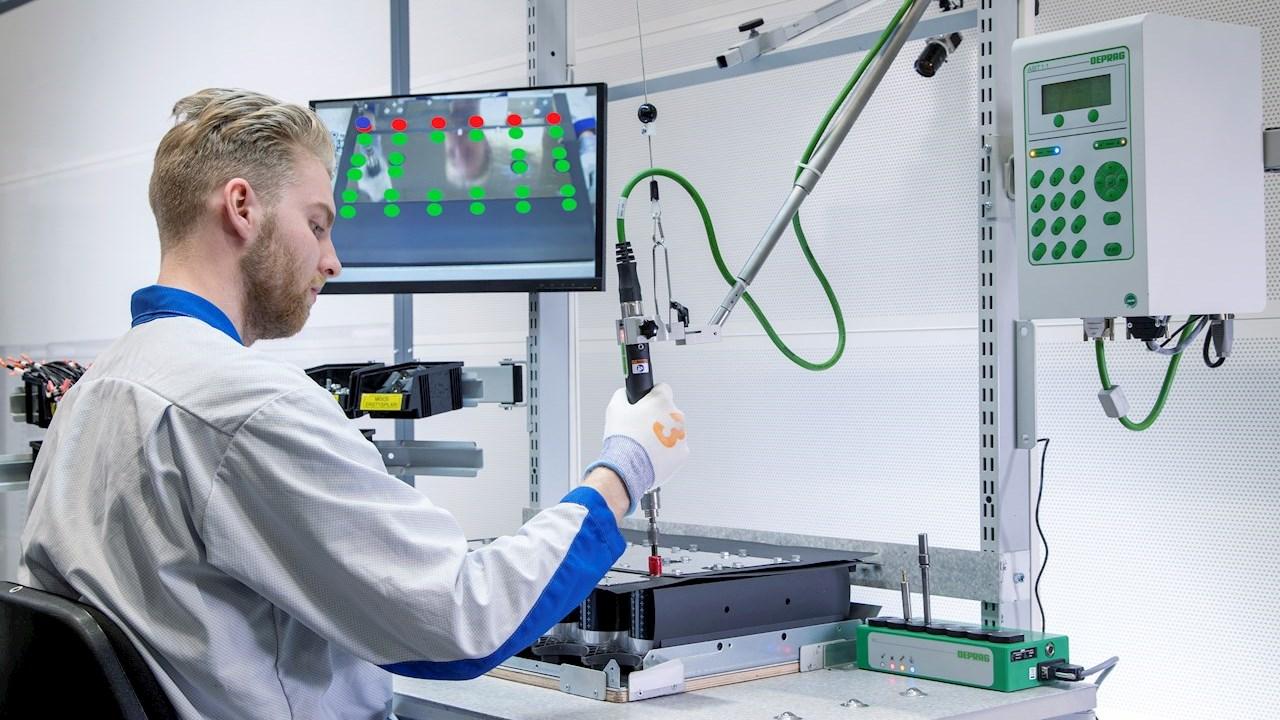ABB gamykloje Helsinkyje pirmąsyk pasaulyje pritaikyta 5G technologija ir dirbtinis intelektas