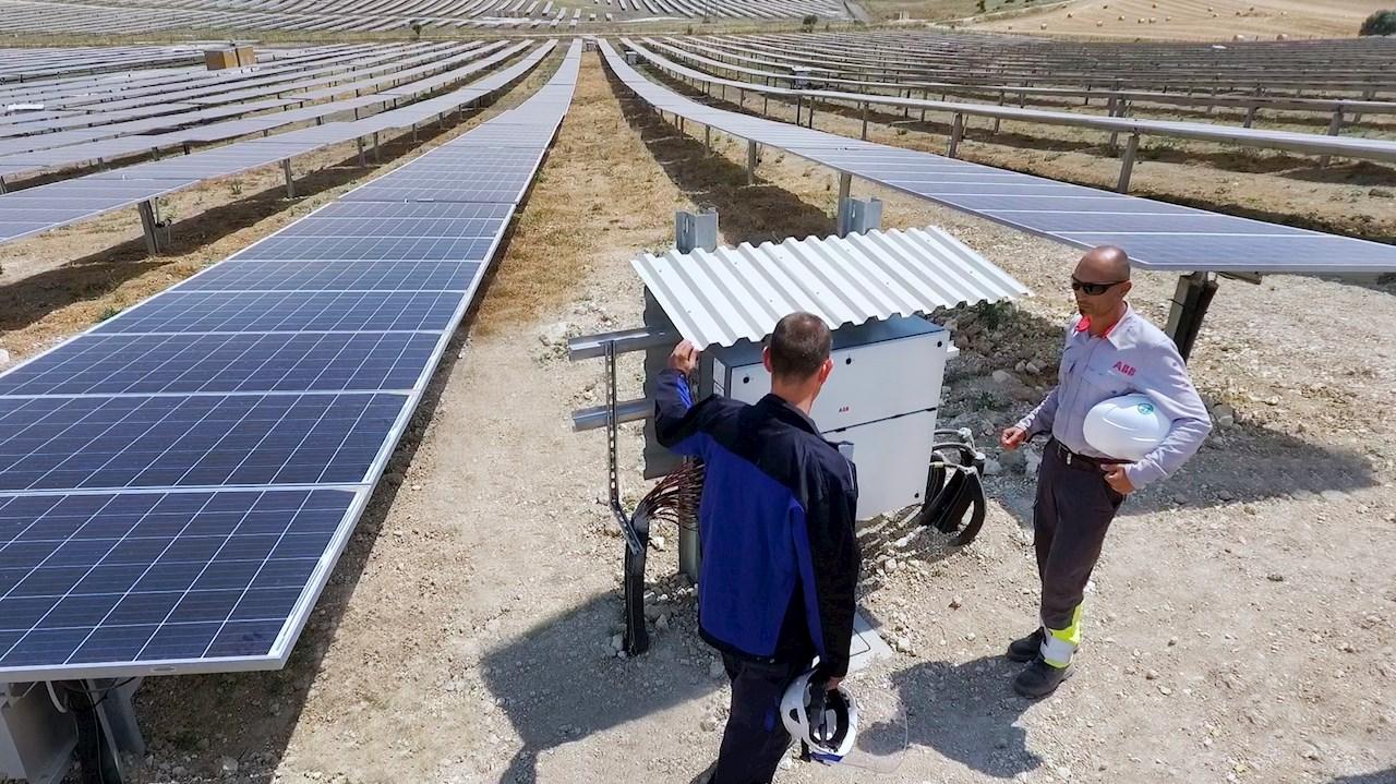 Energia Solare In Sicilia l'inverter pvs-175 trasforma il sole di sicilia in energia