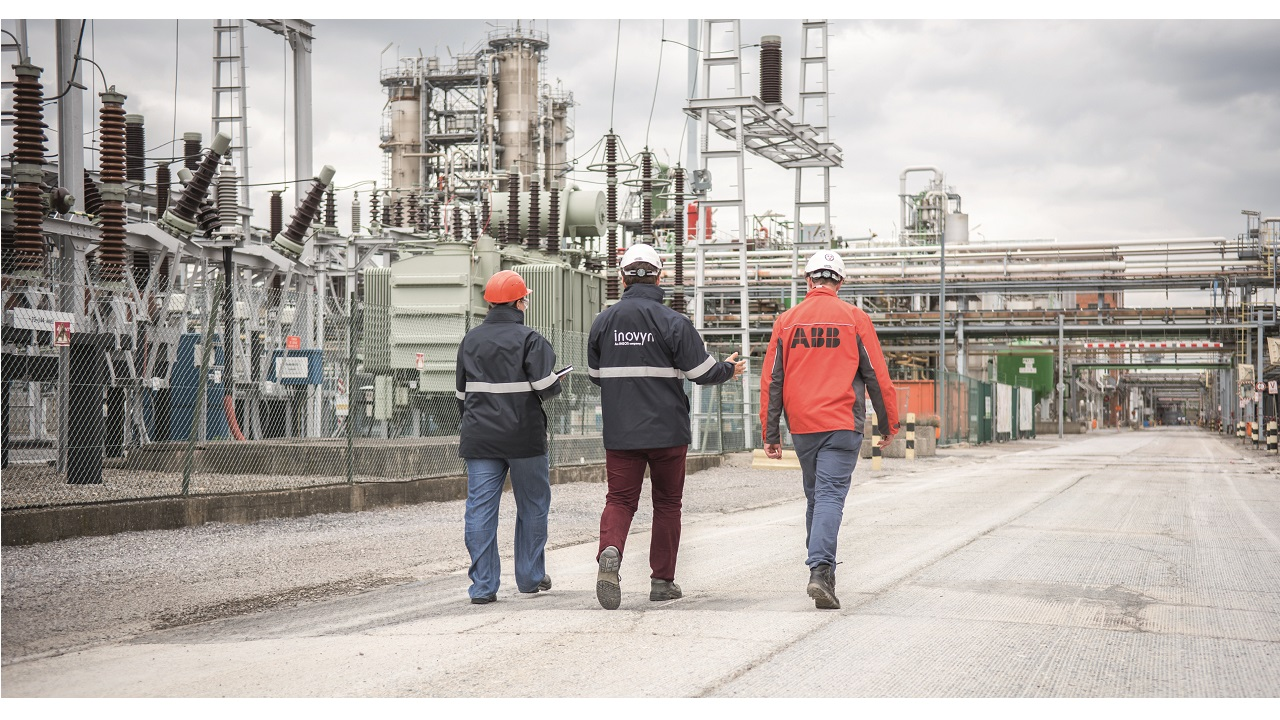 01 Inovyn, the largest producer of PVC in Europe, settled on the ABB PowerLine DPA UPS as it can easily cope with the harsh conditions in Inovyn's Belgian factory.