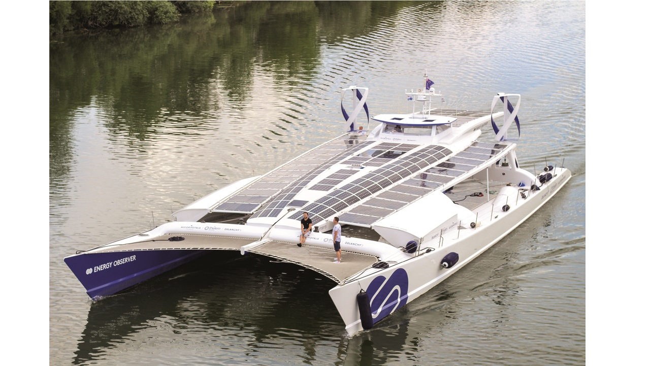 09 Energy Observer is the world's first hydrogen vessel. This former racer emits no GHGs or fine particles and produces on-board, carbon-free hydrogen from seawater.