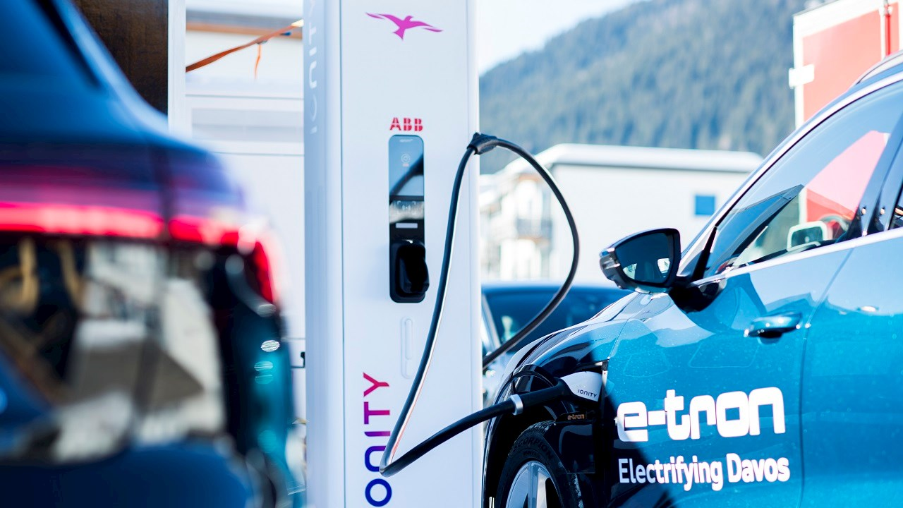 Davos: Alpine showcase for the future of electric transport