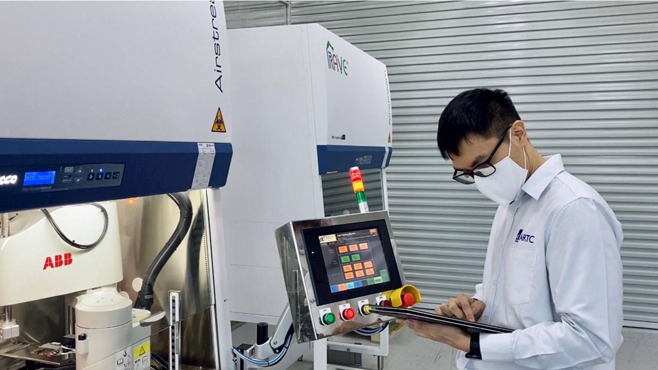 ABB:n robotit tehostavat koronavirustestausta Singaporessa