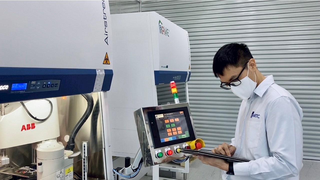 ABB-Roboter beschleunigen COVID-19-Tests in Singapur
