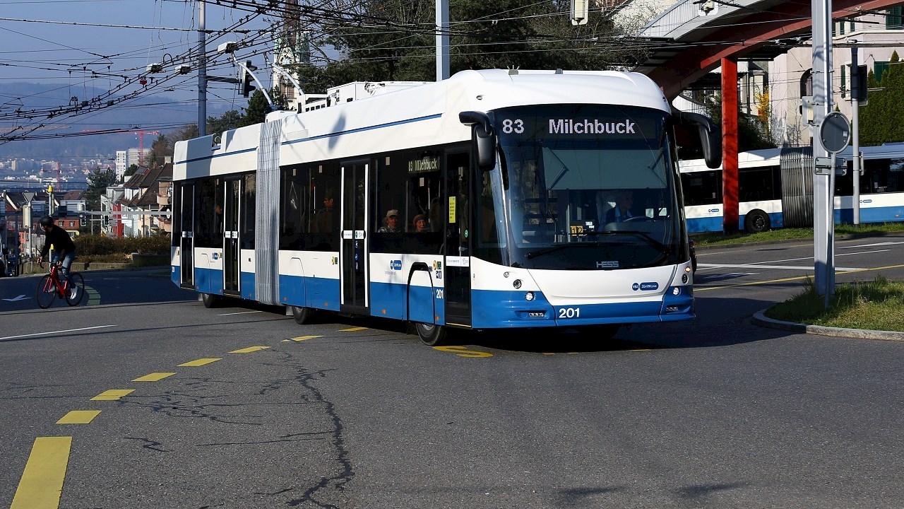 ABB-Technologien ermöglichen energieeffizienten und nachhaltigeren Busbetrieb auf der Linie 83 in Zürich
