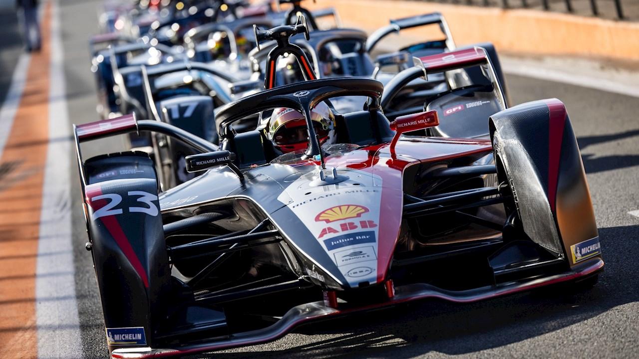 """Η τεχνολογία ABB διασφαλίζει ότι το Παγκόσμιο Πρωτάθλημα της Formula E δεν πρόκεται να μείνει ποτέ """"εκτός αέρα""""!"""
