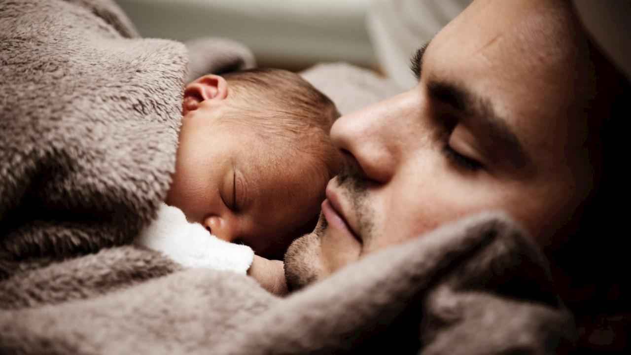 Con ABB congedo paternità di quattrosettimane in Svizzera