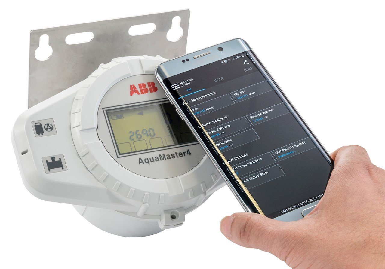 AquaMaster 4 flowmeter with Velox Mobile App to easily  make configuration changes.