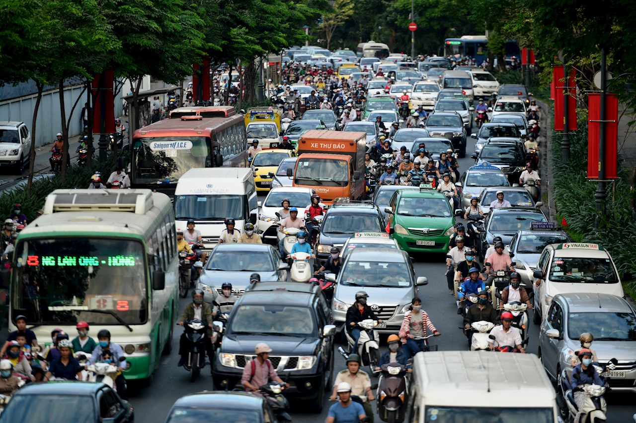 Car owners tend to increase sharply in large cities of Vietnam