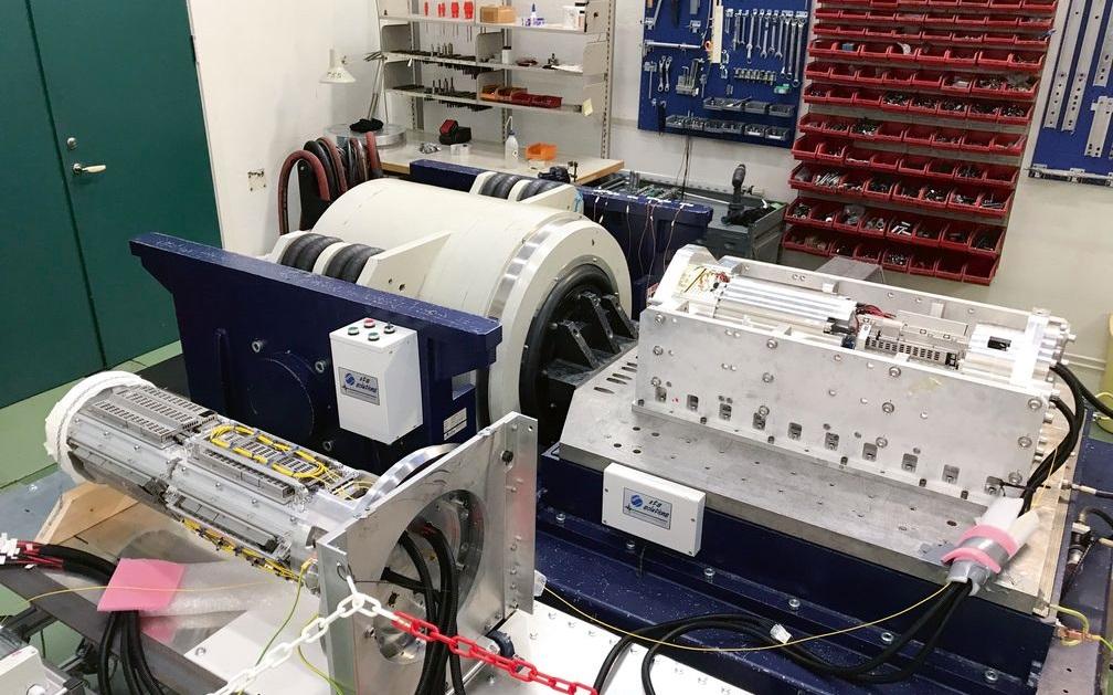 03 El prototipo final SEM PEC, mostrado aquí sobre su armazón de montaje, cumplía los requisitos mediambientales diseñados por el sector petrolero en las normas API 17F, ISO 13628-6 y Statoil TR1233v7.